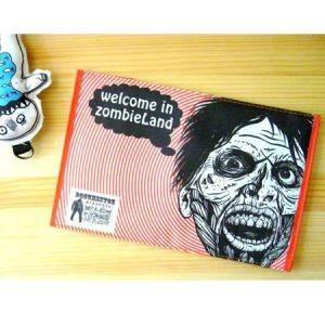 Обложка для паспорта «Зомбилэнд в красном»
