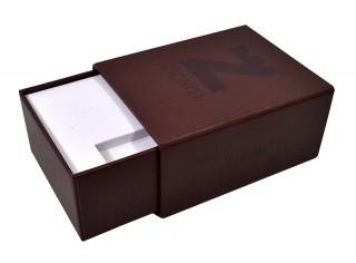 Подарочная коробка-пенал на магните для визитки и флешки.