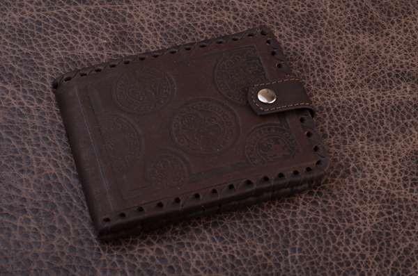 Темнокоричневое кожаное портмоне Коллекция Magistro (