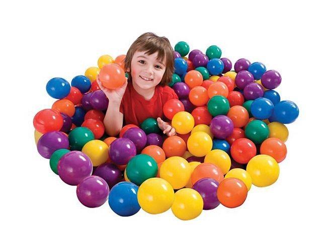 Набор из 100 разноцветных пластиковых шаров в мешке