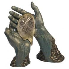 Бронзовая скульптура Время течет