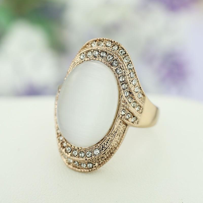 Винтажное кольцо с опалом и кристаллами «Леди»