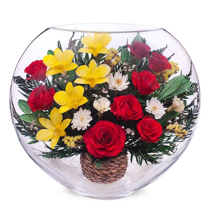 Цветочная композиция из роз и орхидей
