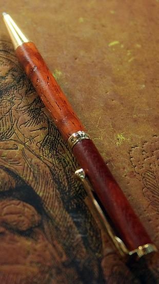 Шариковая ручка Падук