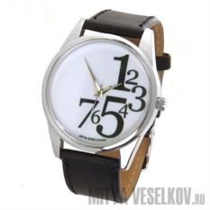 Часы Mitya Veselkov Цифры справа на белом