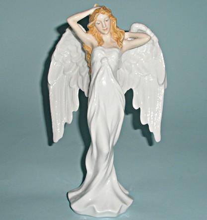 Фарфоровая статуэтка Утро ангела