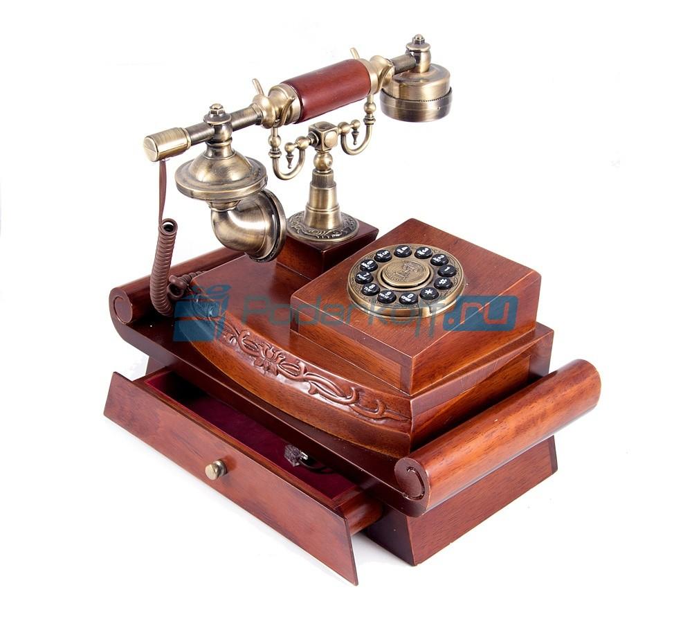 Кнопочный ретро-телефон Логан