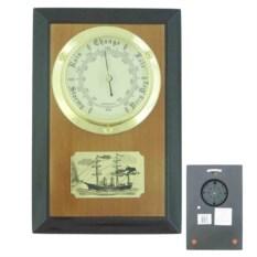 Настенный барометр на деревянной основе