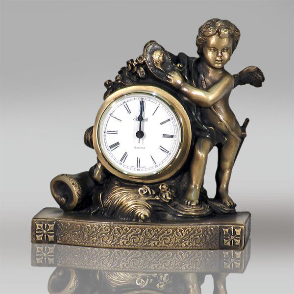 Часы «Путти»