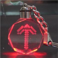 Брелок Майнкрафт Светящийся кристалл. Кирка