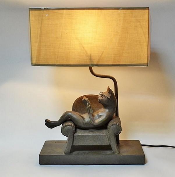 Настольная лампа «Читающий кот»