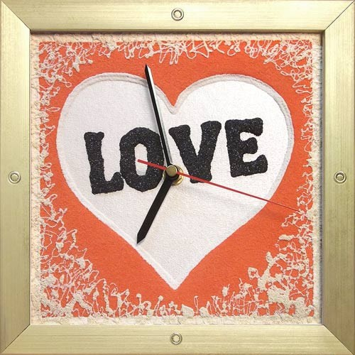Часы из песка Love