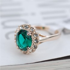 Кольцо с зеленым цирконием и кристаллами Загадка