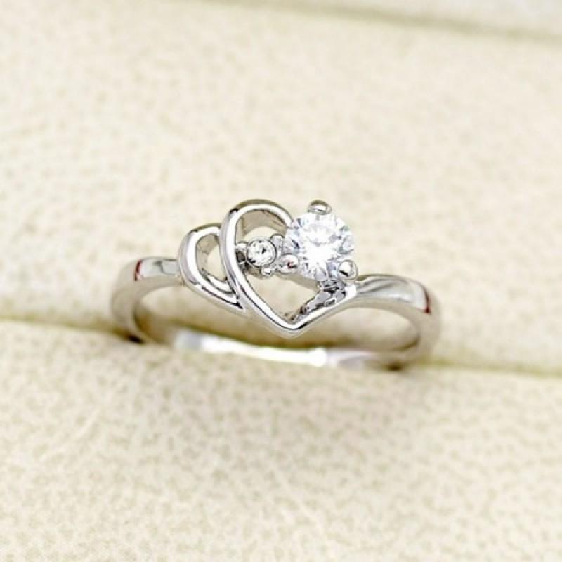 Кольцо с белым цирконием Сокровенные чувства