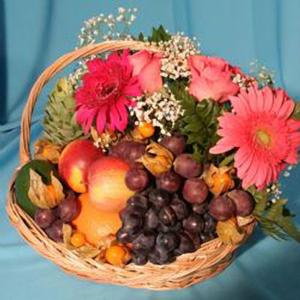 Корзина с фруктами и цветами «Барышня»