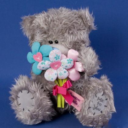 Мишка MTY с букетом цветов