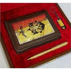 Набор «Ежедневник с гербом, ручка и флешка»