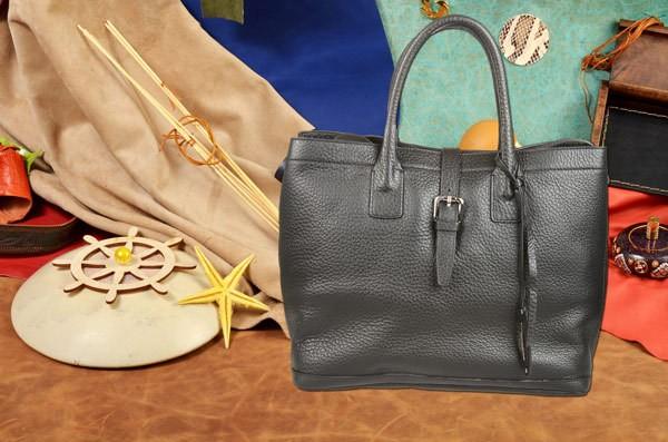 Черная сумка Gianni Conti из натуральной кожи