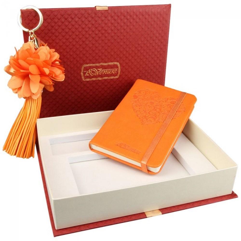 Подарочный набор Catherine: записная книжка и брелок