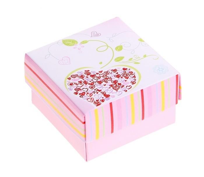 Подарочная коробка с сердцем