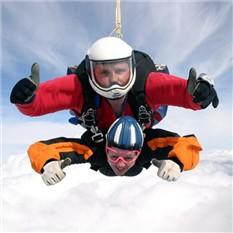 Прыжок с парашютом (4 км) с инструктором и съемкой