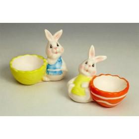 Подставка под яйцо с кроликом