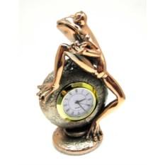 Статуэтка Лягушка на часах