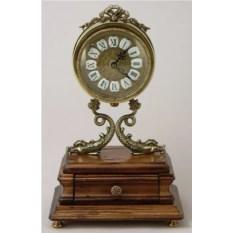 Настольные часы с ящичком