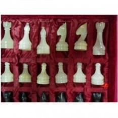 Чёрно-белые шахматы из ценных сортов натурального камня