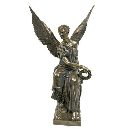 Статуэтка «Виктория — богиня победы»
