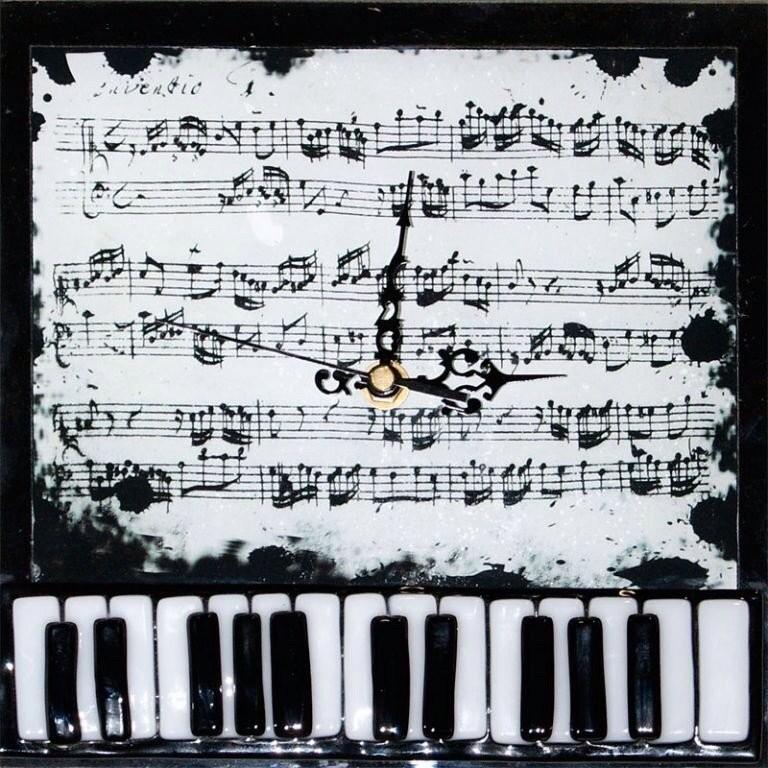 Часы Пианино