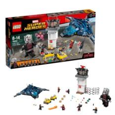 Конструктор Сражение в аэропорту Lego Super Heroes