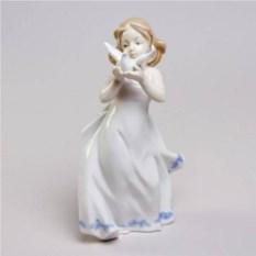 Декоративная фарфоровая статуэтка Агата