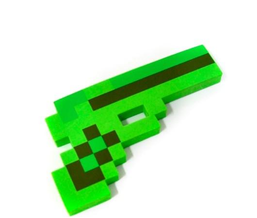 Зеленый пиксельный пистолет Minecraft