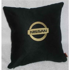 Черная подушка с золотой вышивкой Nissan