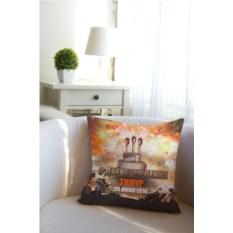 Декоративная подушка с вашим именем Танчики