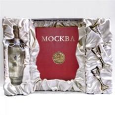 Подарочный набор Москва-Кремль (с серебряными рюмками)