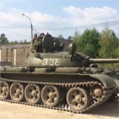 Поездка на танке и посещение музея бронетехники - 1 человек