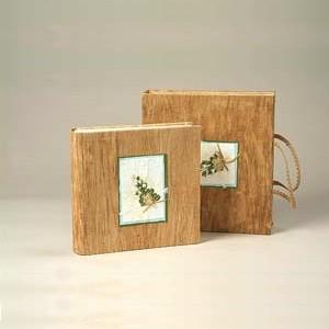 Фотоальбом с обложкой из коры дерева
