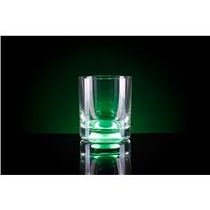 Зелёный бокал для виски, загорающийся от прикосновения руки