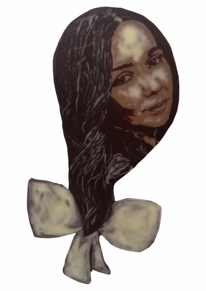 Картина из шоколада Девушка с бантом