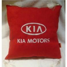 Красная подушка с белыми кистями Kia motors