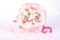 Букет из игрушек Мишки зефирки с боа