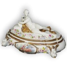 Шкатулка из фарфора с крышкой Девушка Porcellane Principe