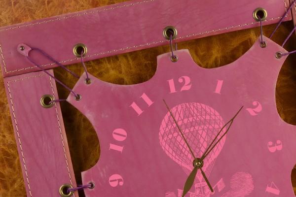 Часы из кожи Полет (сиреневый, квадратная рама)