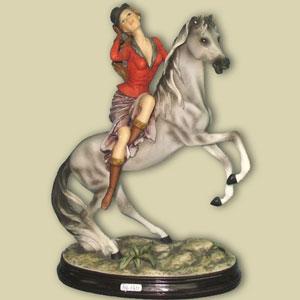 Статуэтка «Леди на лошади»