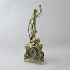 Часы Джустиса с подсвечниками