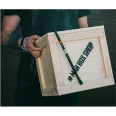 Набор MANBOX в ящике с ломом