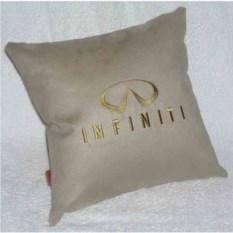 Бежевая подушка с золотой вышивкой Infiniti