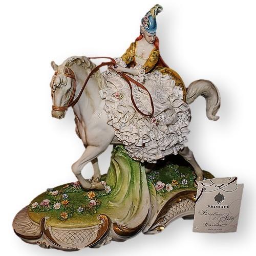 Статуэтка из фарфора Дама на коне от Porcellane Principe